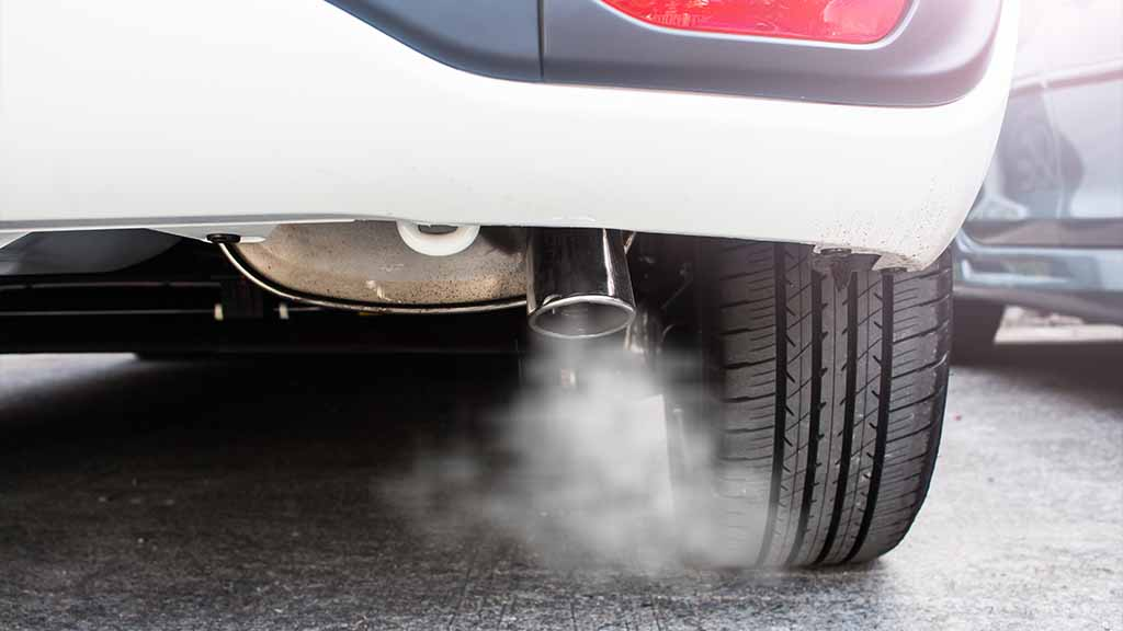 Car exhaust emissions - economic and environmental benefits of an EV
