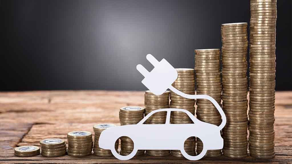 Reasons to go electric. EV money savings graphic.